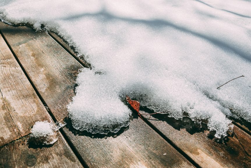 Melting snow. Fotograf Mats Andersson, Stenhamra, Ekerö, www.bubbelbubbel.se